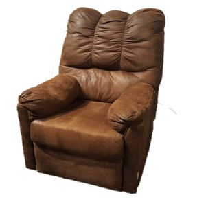 Brown Leather Recliner (DELIVERY INCLUDED) for Sale in Portland, OR