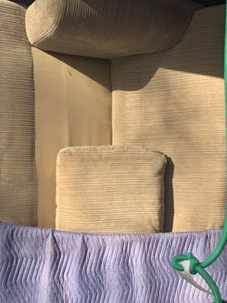 sofa/couch for Sale in Kennesaw,  GA