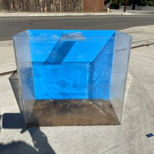16g Acrylic Fish Tank for Sale in Pomona, CA