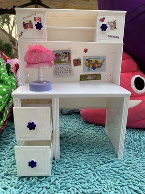 Doll size desk or vanity for Sale in Pasadena, TX