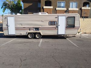 30ft Terry Fleetwood Camper Trailer for Sale in Las Vegas, NV