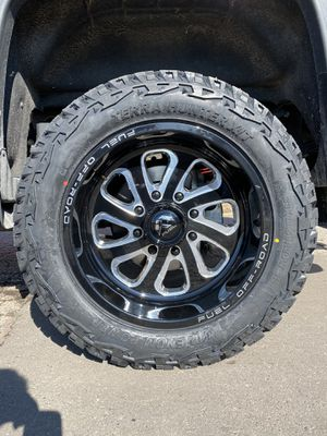 Fuel Off Road Wheels/Rims with Venom Power A/T tires for Sale in Otisville, MI
