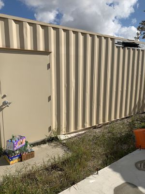 Excellent Condition 02 x Storage Containers for Sale in Fontana, CA