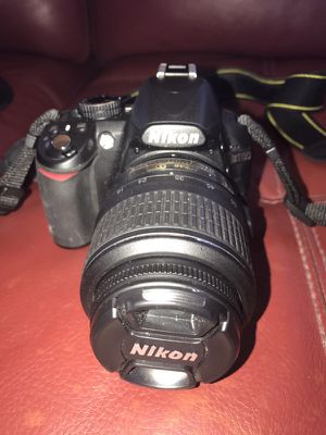 Nikon D3100 Digital Camera with lense and Case for Sale in Dania Beach, FL
