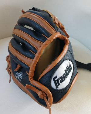 New Franklin Kids Leather Baseball Glove for Sale in Arvada, CO