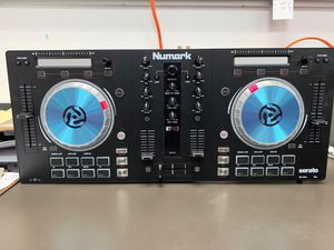 NUMARK Mixtrack PRO 3 for Sale in Brooklyn, NY