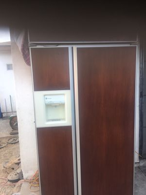 Free fridges and freezer for Sale in San Diego, CA