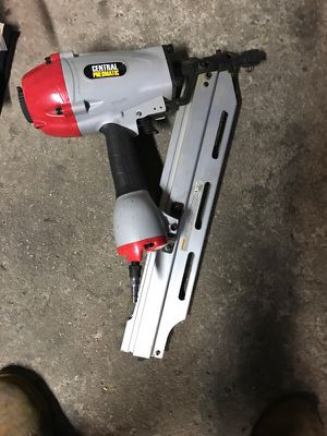 CENTRAL PNEUMATIC air nail gun for Sale in Chicago, IL