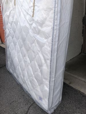 King size mattress brand new for Sale in Las Vegas, NV