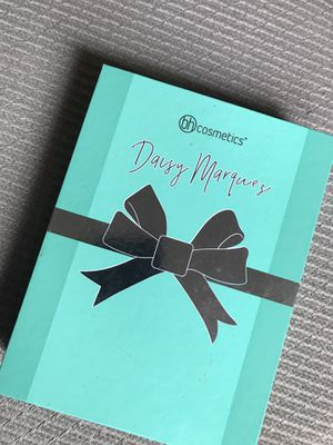 Daisy Marqués eyeshadow palette for Sale in Hayward, CA