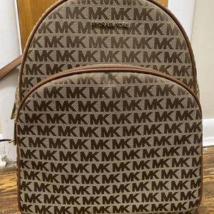 Michael Kors Bookbag for Sale in Carneys Point Township, NJ