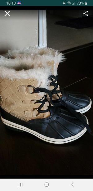 Rain boots for Sale in Long Beach, CA