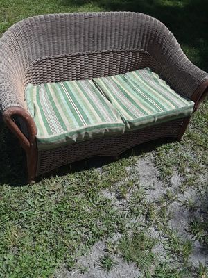 Patio bench with cushions for Sale in Land O Lakes, FL