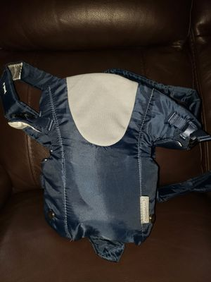 Infantino Baby Carrier 8-25lbs for Sale in Renton, WA