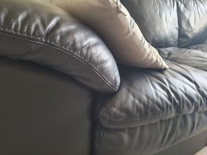 Gorgeous leather sofa black. Real thick perfect leather for Sale in Santa Monica, CA