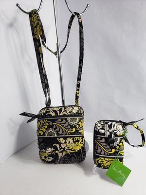 Vera Bradley Baroque Small crossbody bag with matching Wristlet new with Tag PRICE FIRM 🚫 for Sale in San Antonio, TX