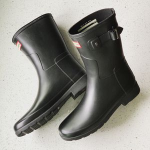 Women's Hunter Short Rain Snow Boots in Black Size 8 for Sale in Lombard, IL