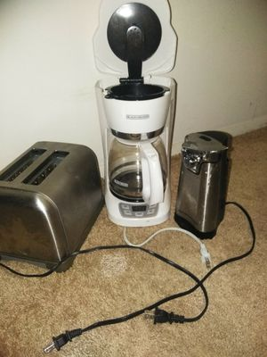 3 Kitchen Appliances for Sale in Elyria, OH
