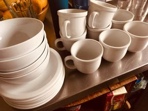 CorningWare plate set. Plus water glasses. Obo for Sale in West Hollywood, CA