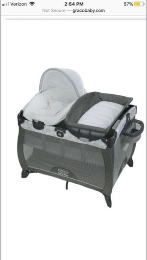 Graco baby pack n play w diaper changer and bassinet for Sale in Alexandria, VA