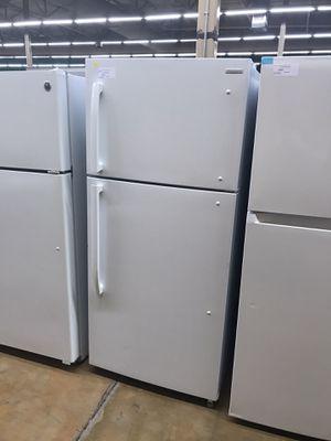 Insignia top freezer fridge for Sale in Pomona, CA