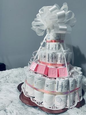 Diaper cake 🎂 🎁girl for Sale in Maryland Heights, MO
