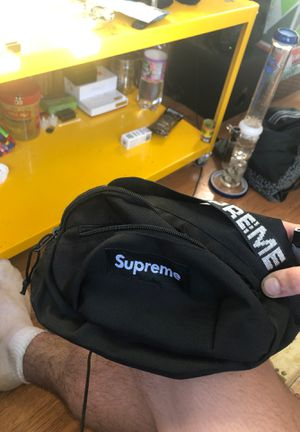 Supreme fanny pack for Sale in Boxford, MA