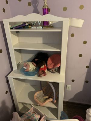 IKEA changing table converts to book shelf. All pieces included for Sale in Orlando, FL