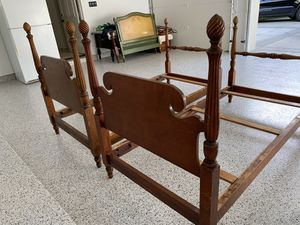 """Two antique """"pineapple"""" style four post twin bed frames. for Sale in Los Angeles, CA"""
