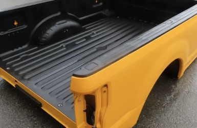 2019 Ford F-250 Super Duty Yellow Pickup 8' Long Truck Bed for Sale in Auburn,  WA