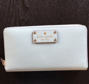 Brand NEW Kate Spade Mint Color Wallet for Sale in Chicago, IL