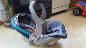Baby Car seat / stroller for Sale in Louisville, KY