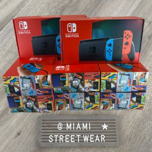 Nintendo switch Neon SEALED for Sale in Tamarac, FL