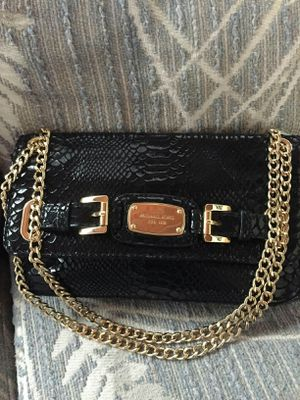 Michael Kors small shoulder/crossbody purse for Sale in Lincoln Acres, CA