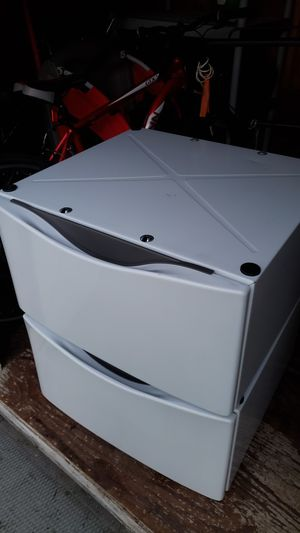 PEDESTALS WASHER AND DRYER ( BASE WITH DRAWERS) for Sale in Chicago, IL