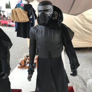 "Star Wars Kylo Ren 31"" Figurine for Sale in Baldwin Park, CA"