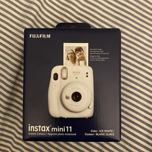 BRAND NEW INSTAX MINI 11 for Sale in Queens, NY