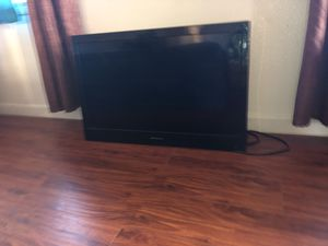 Flat screen tv 32 inch for Sale in Fresno, CA
