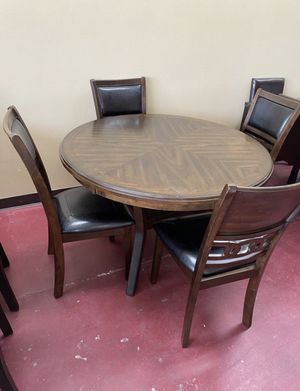 Furniture table with four chairs for Sale in Garland, TX