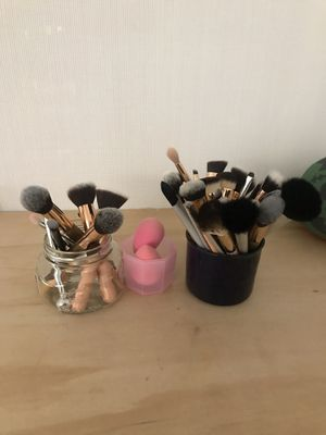 Makeup brush cleaning for Sale in San Diego, CA