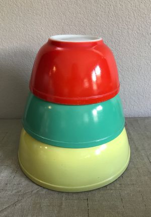 Vintage Pyrex Mixing Bowls Primary for Sale in Santa Ana, CA