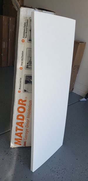 MATADOR GARAGE DOOR INSULATION 8 PIECES 20X54 INCHES for Sale in Glendale, AZ