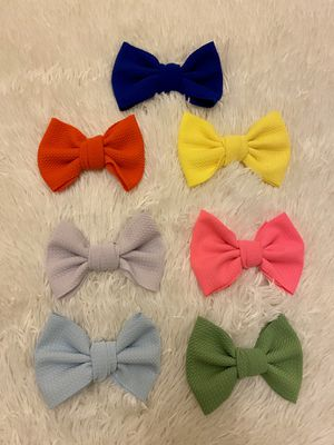 4 inch bow clips 🎀 for Sale in Fresno, CA
