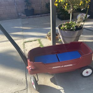 Radio Flyer for Sale in Moreno Valley, CA