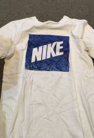 NIKE MEN's T-SHIRT: size small for Sale in Fresno, CA