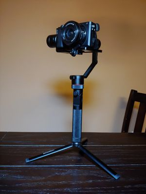 Camera/Phone & Go pro stabilizer! Kylin M gimbal for Sale in Kissimmee, FL