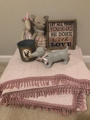Shabby chic bed room decor for Sale in Bonney Lake, WA