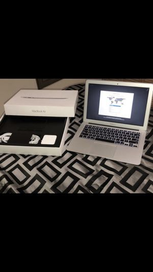 """2015 MacBook Air 13"""" i5 8GB 128 SSD excellent condition —-5⭐️⭐️⭐️⭐️⭐️ Seller—-Back To School Sale*** for Sale in Hialeah, FL"""