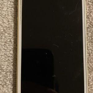 iPhone SE w/accessories. READ DESCRIPTION! for Sale in Macomb, MI