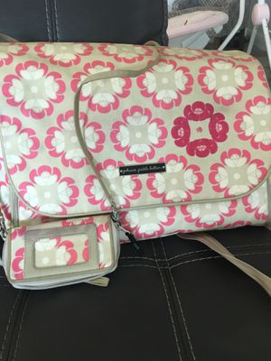Petunia pickle bottom diaper bag with wallet for Sale in Lutz, FL